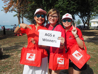 AGS Singapore sales team winners of Pétanque tournament.